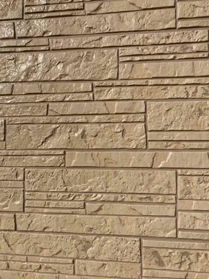 外壁塗装後は新築のようにピカピカです。
