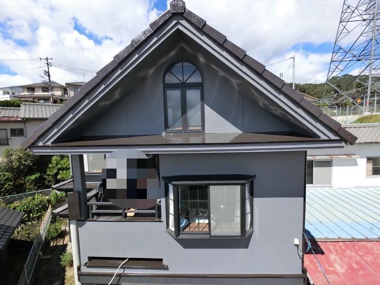外壁塗装後ピカピカのお家を記念撮影をしました。